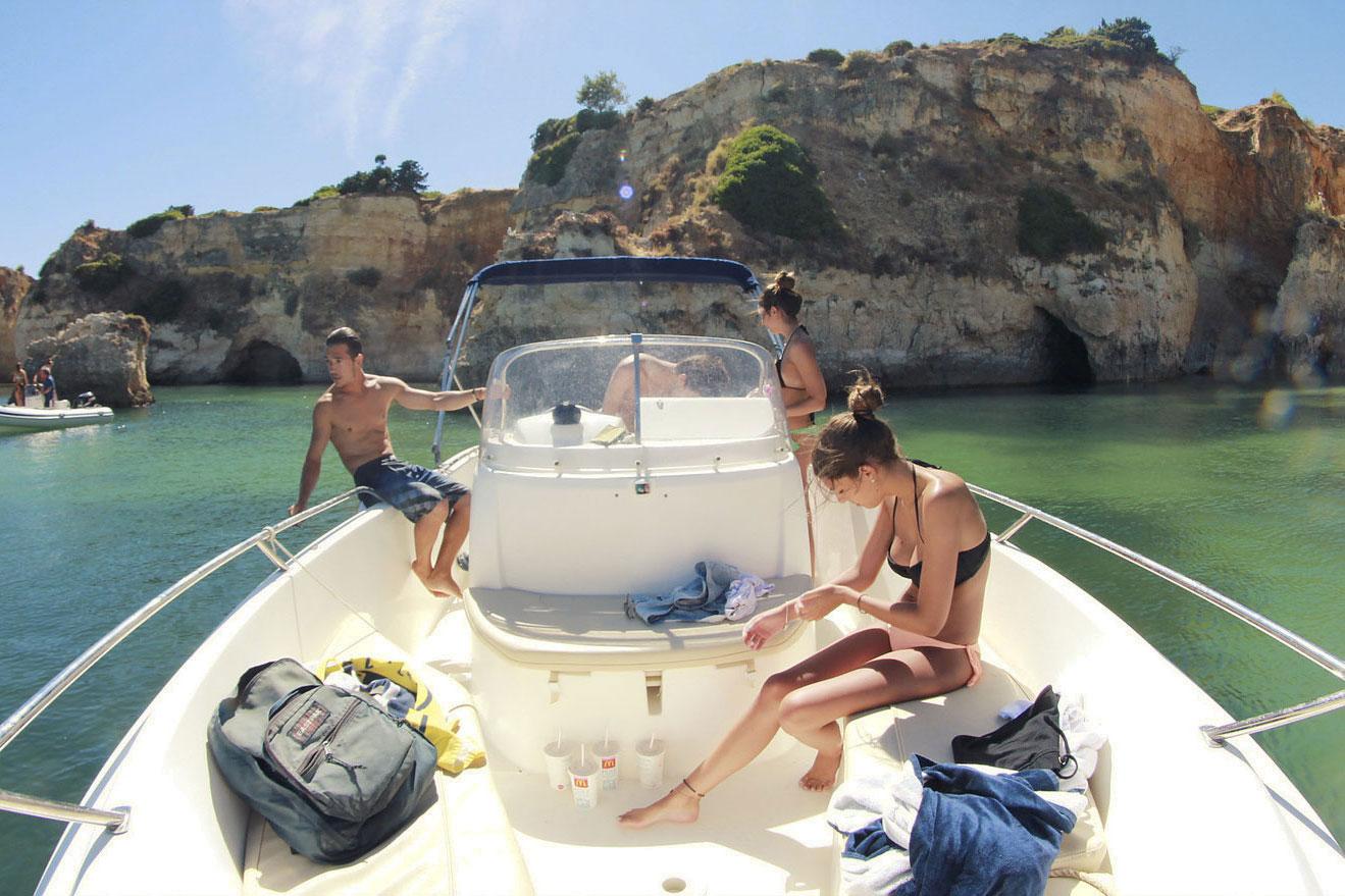 Jeanneau CC 635 Motor Boat