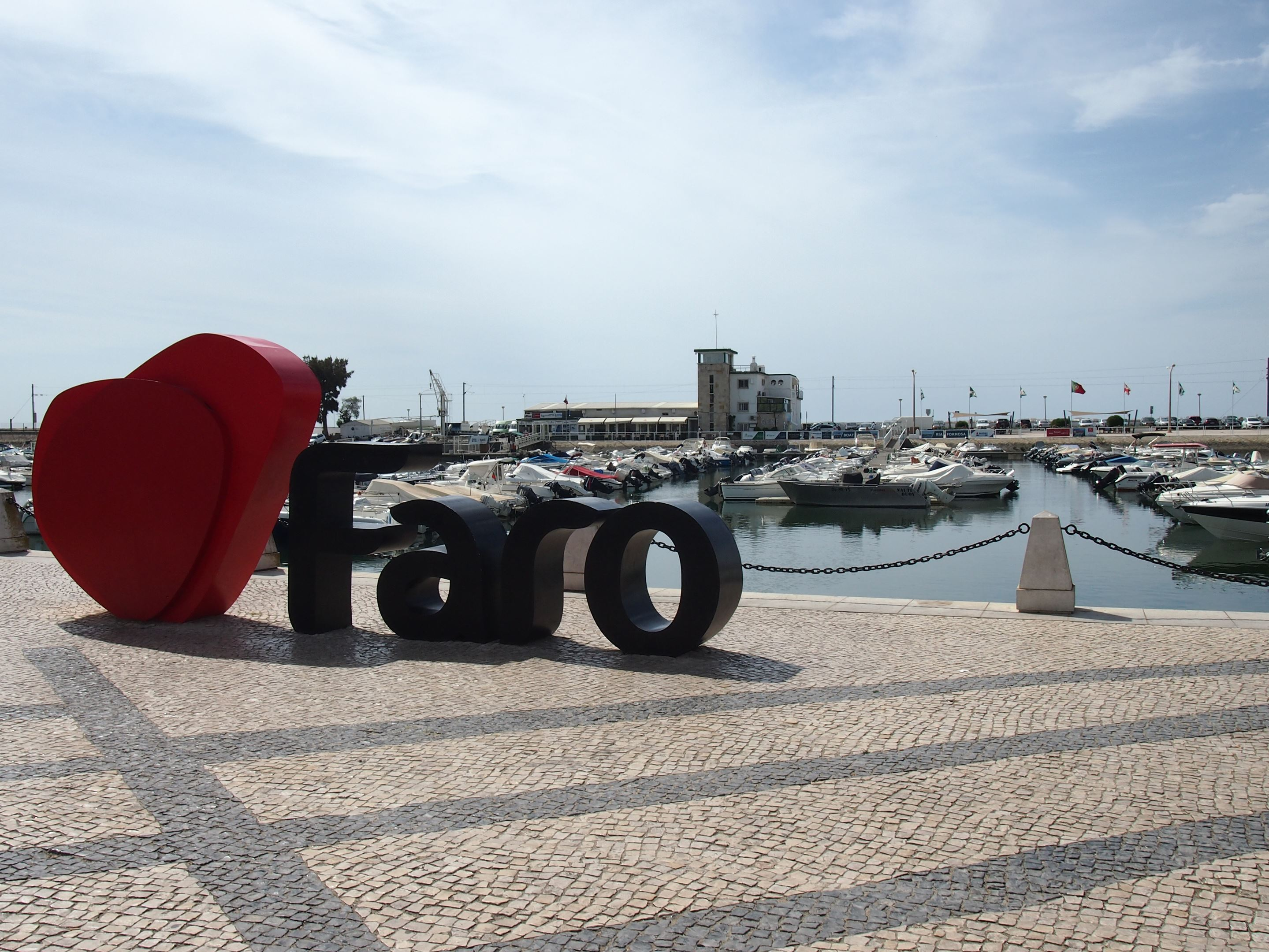 I Love Faro, in front of the Marina