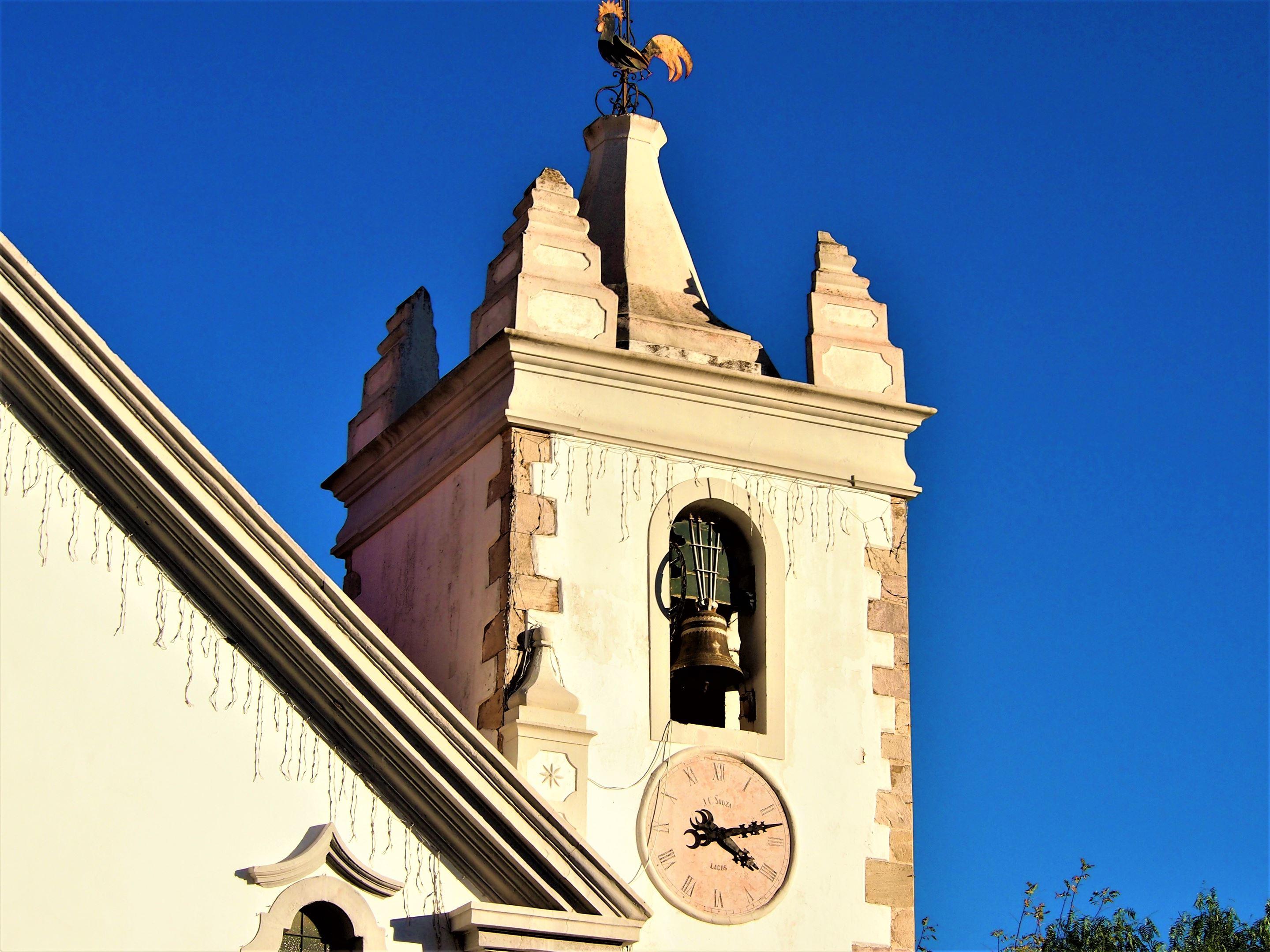 Torre del campanario de la Igreja Matriz de Alte, Algarve