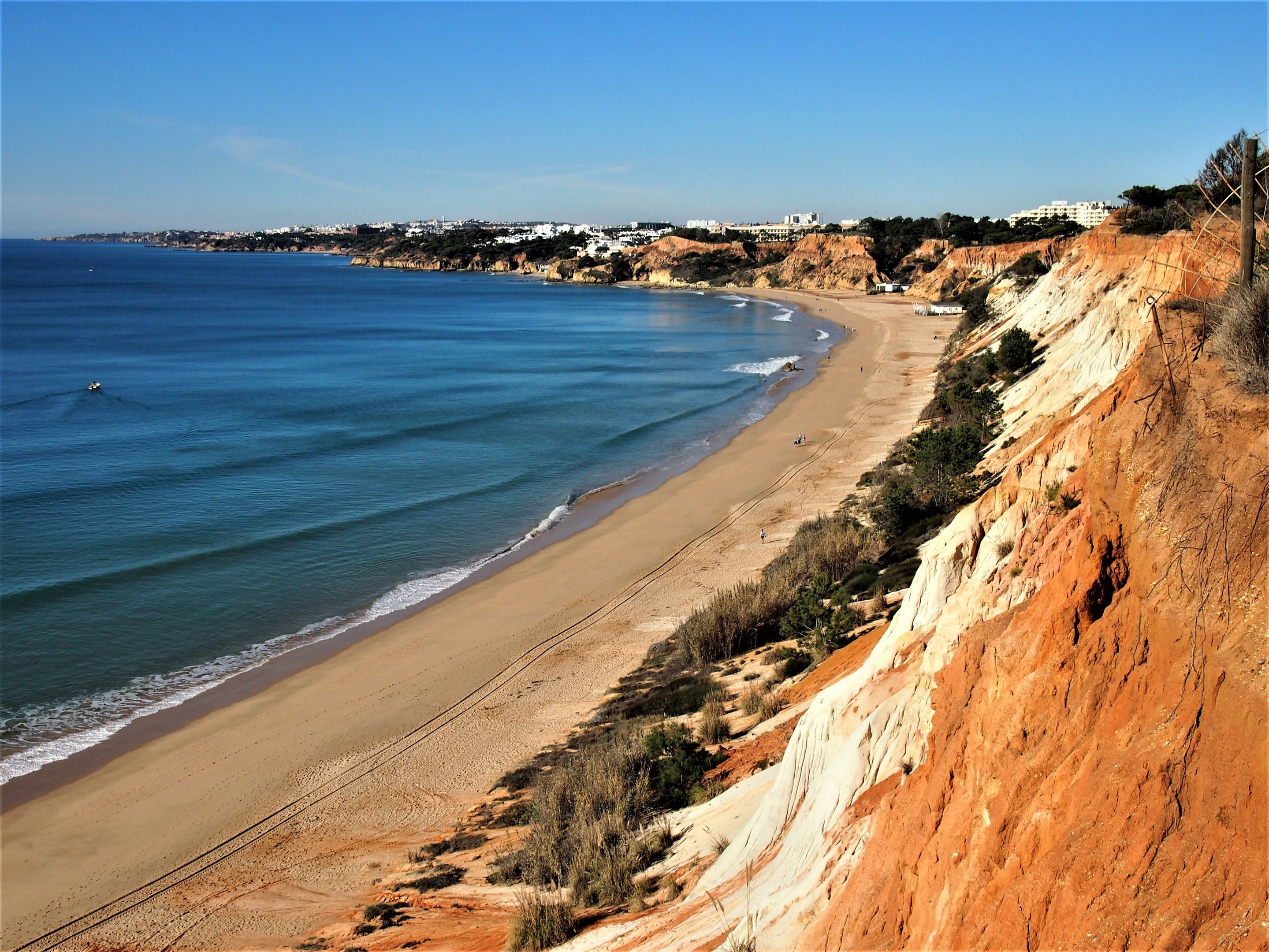 Praia da Falésia, further along the beach looking east towards Albufeira