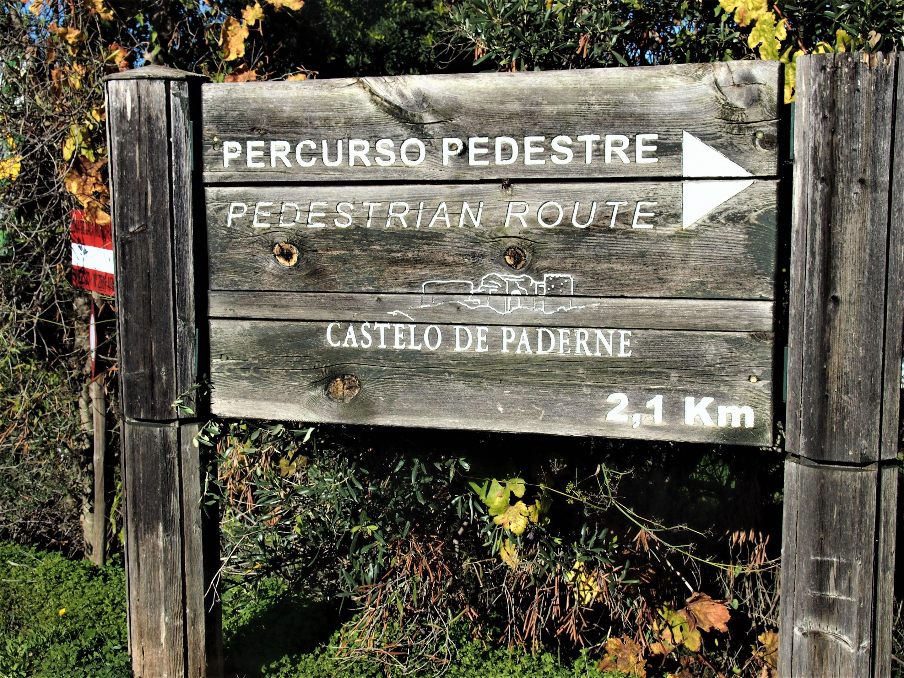 One of two pedestrian routes to Paderne Castle. Although be prepared for the gates to be locked.