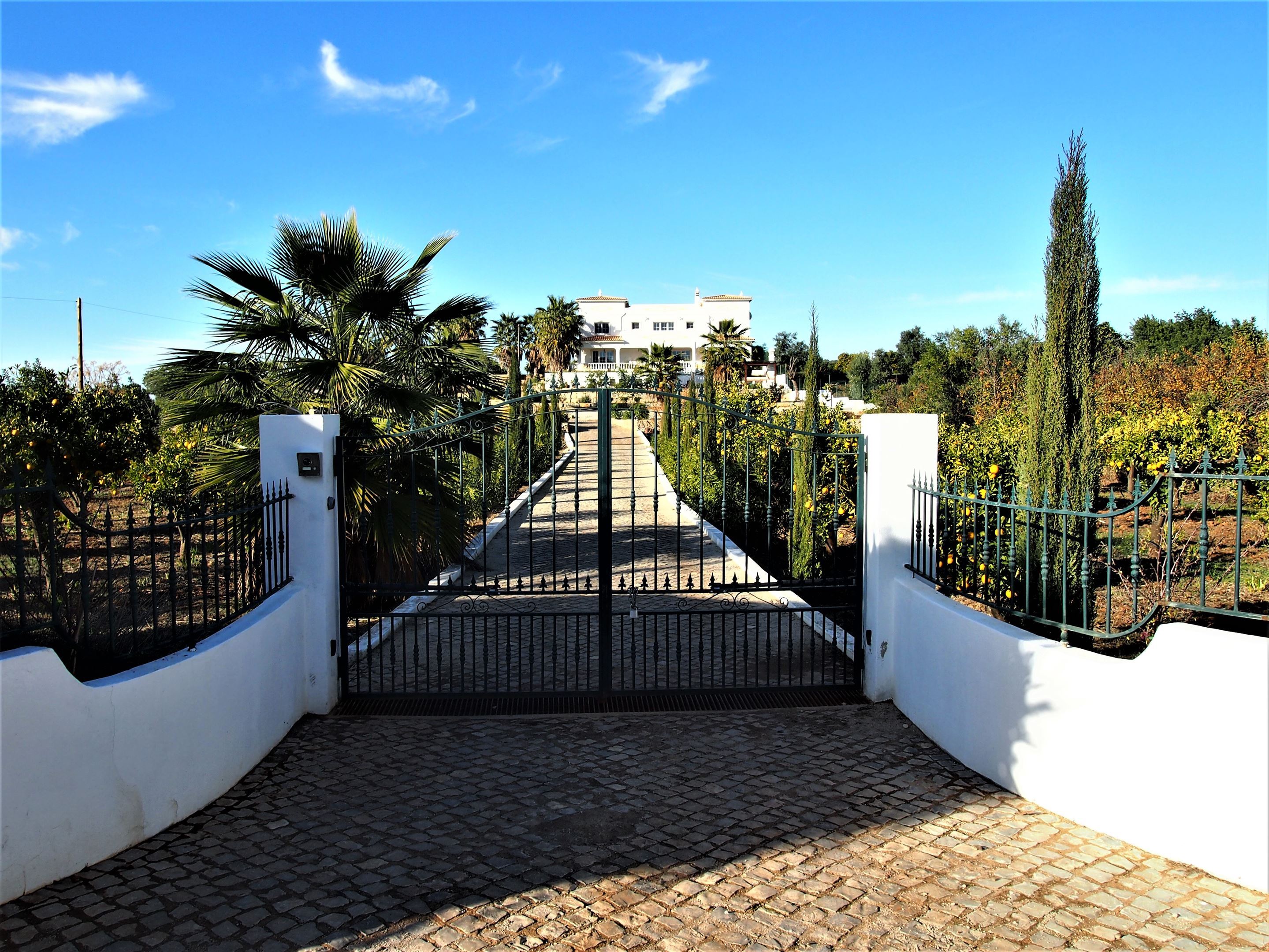 Entrecolinas, Paderne Algarve - Bed and Breakfast