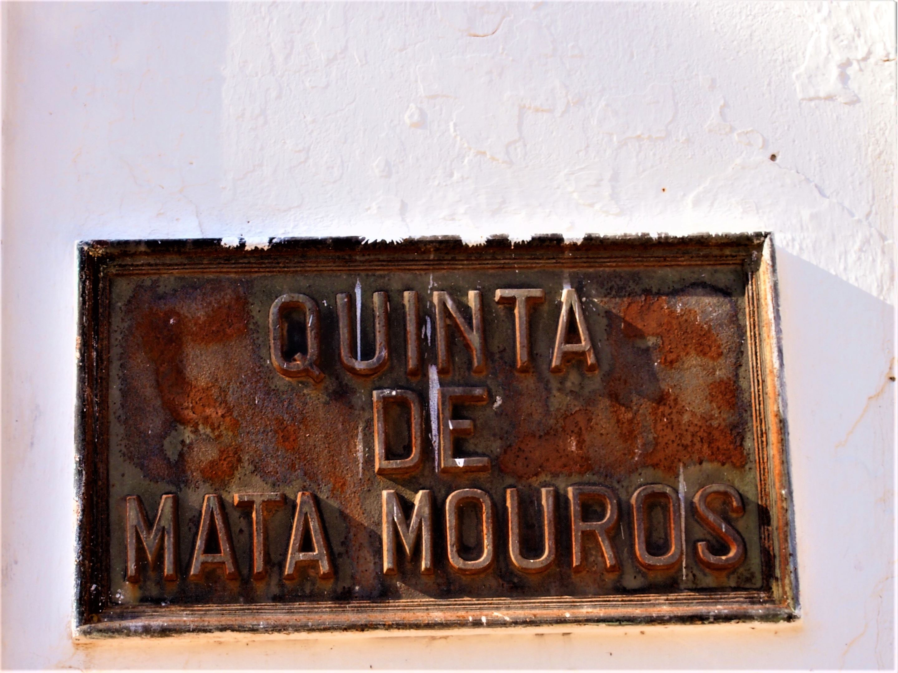 Quinta de Mata Mouros. Vineyard on the south bank of the Arade River opposite Silves.