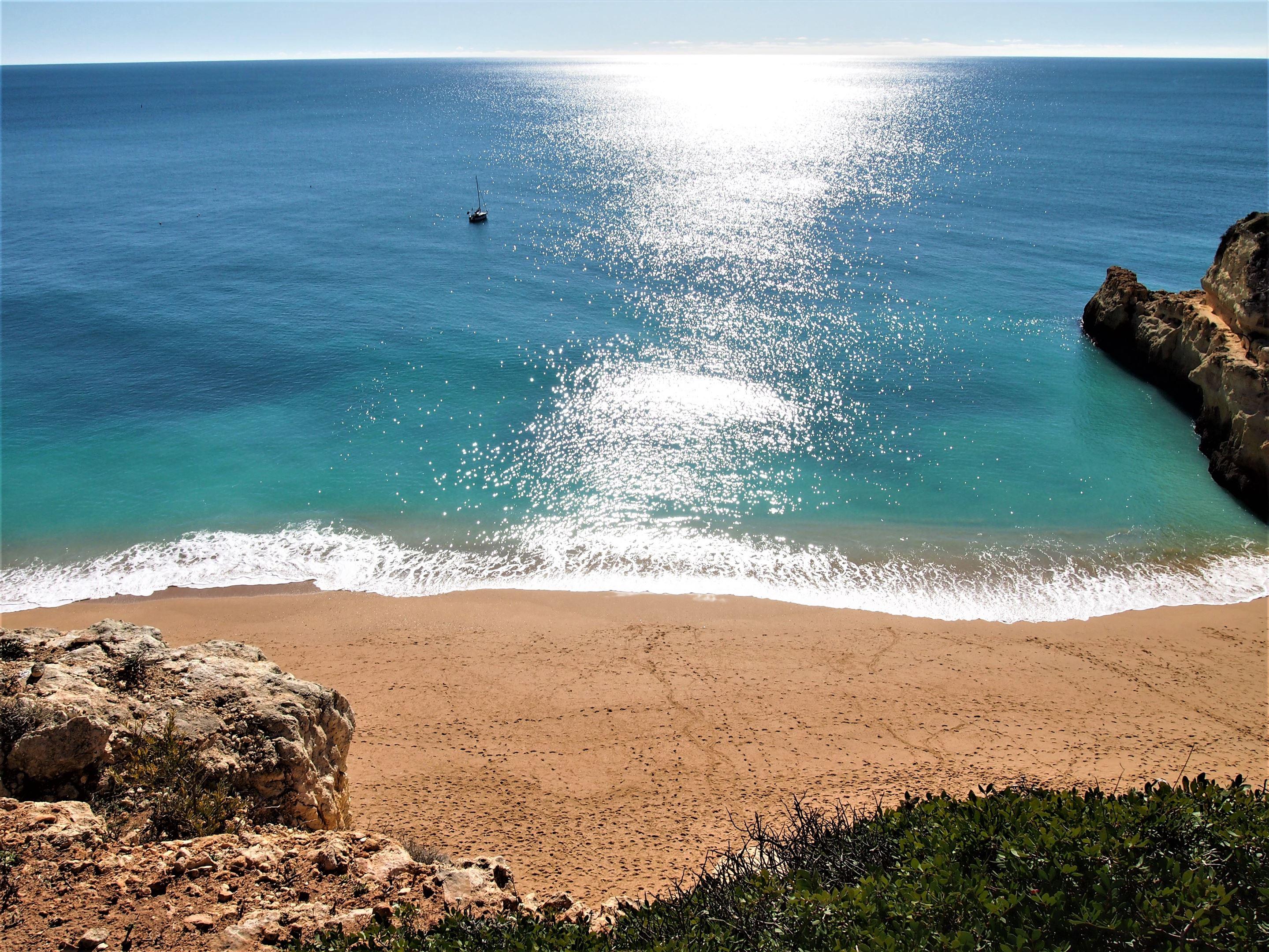 Пляж Praia de Benagil, Карвоейру