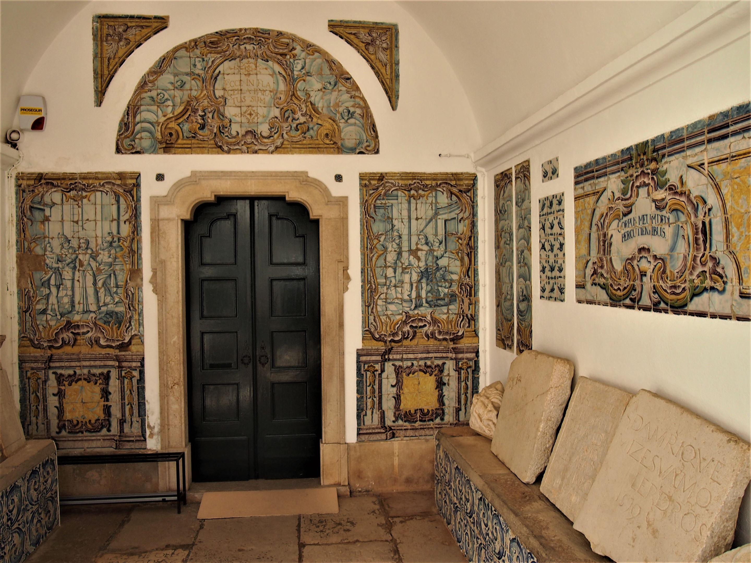 The highly decorative entrance to the Museu Municipal Dr. José Formosinho (or the Municipal Museum) in Lagos