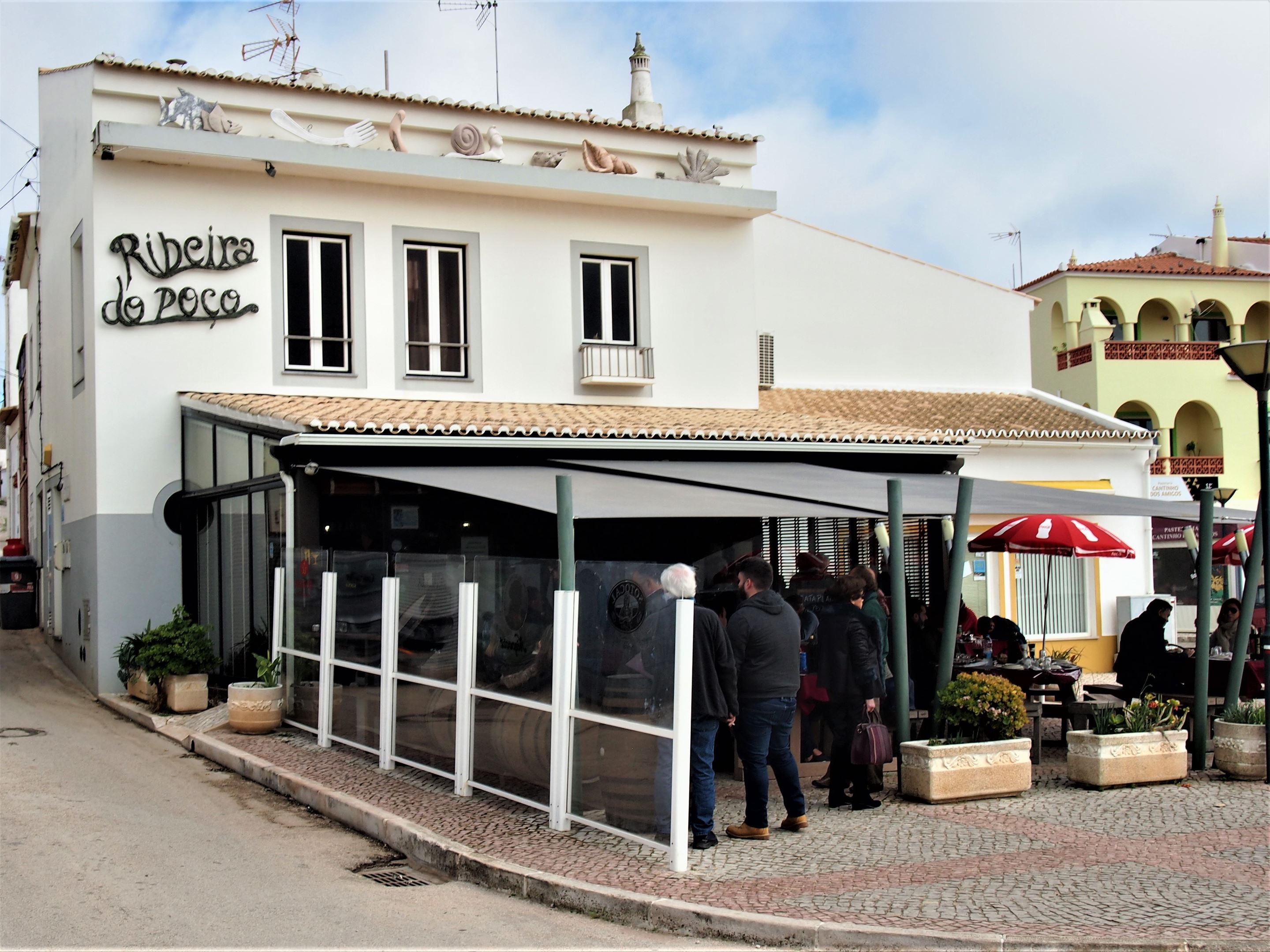 Ribeira do Poço restaurant, Vila do Bispo. It's the middle of winter, we are in the far corner of the western Algarve and there is a queue! So it must be good.