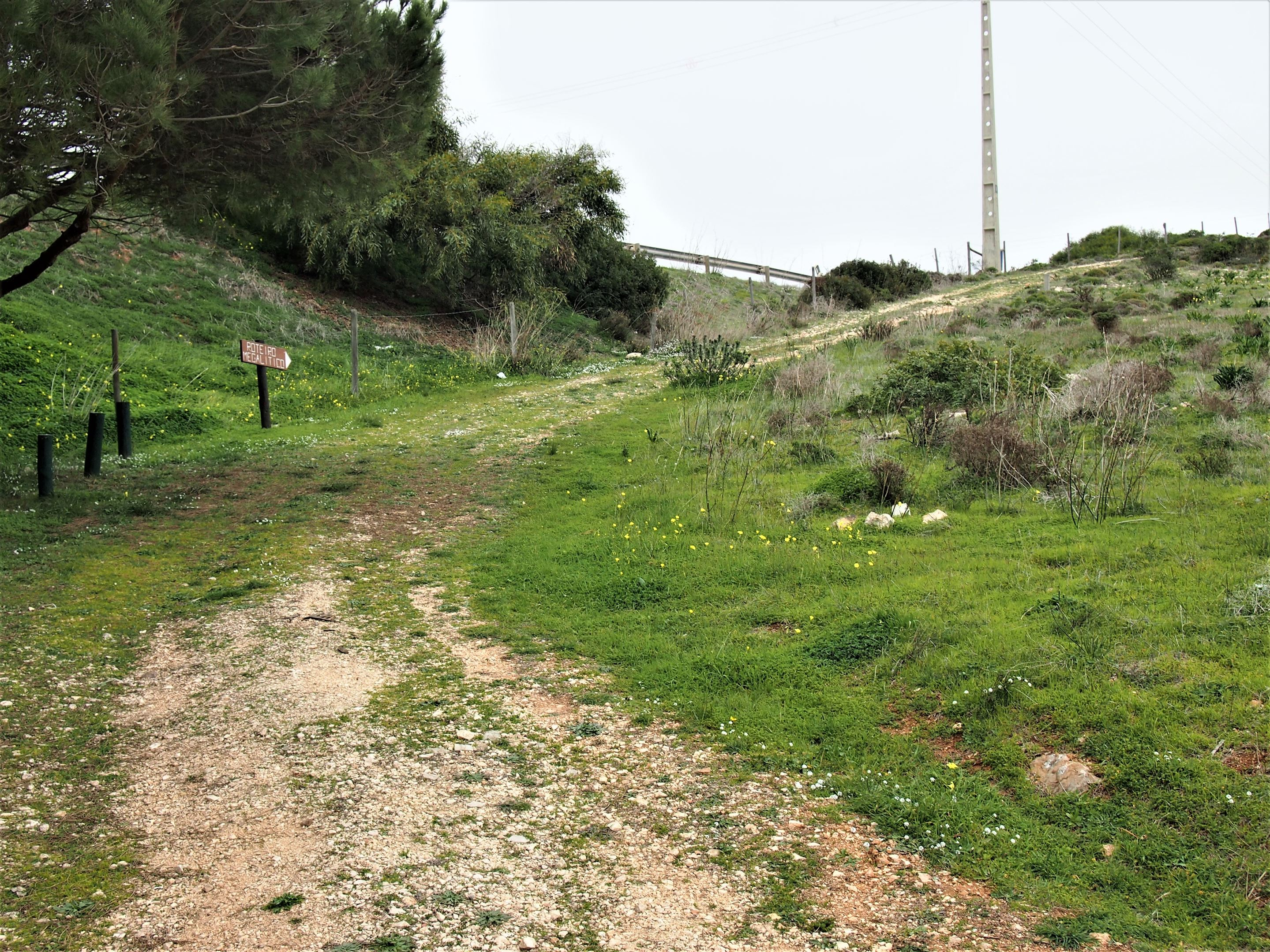 Locating the megalithic site at Monte dos Amantes in Vila do Bispo, west Algarve is not obvious. Follow this path up!