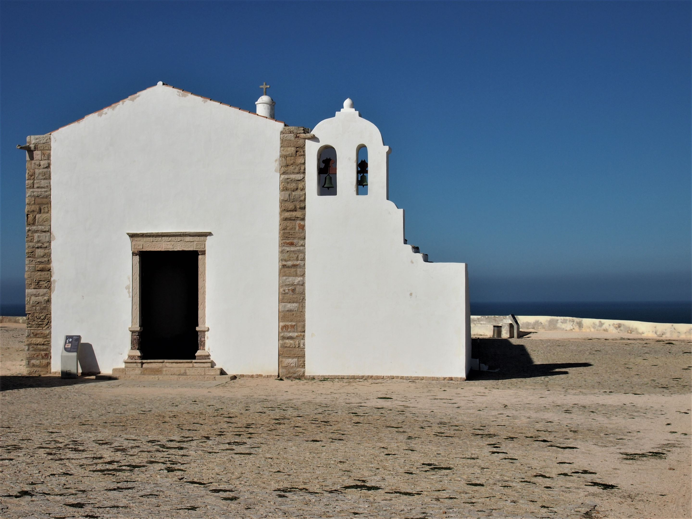 Igreja da Nossa Senhora da Graça, en el interior de la Fortaleza de Sagres, Algarve