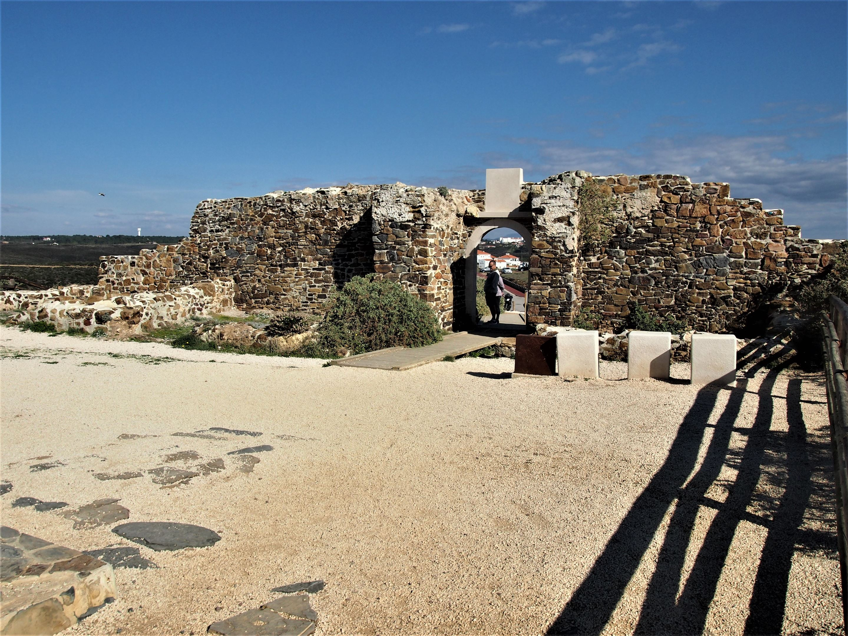 Built in the 17th Century, the remains of the Fortaleza da Arrifana, Aljezur