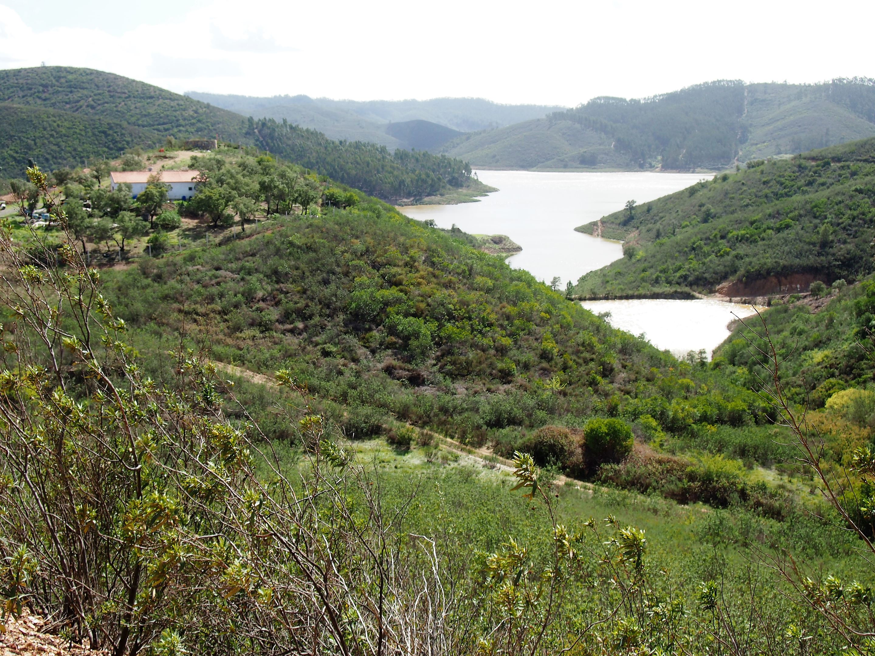 Odelouca Dam, accessible only by walking or a dirt track.