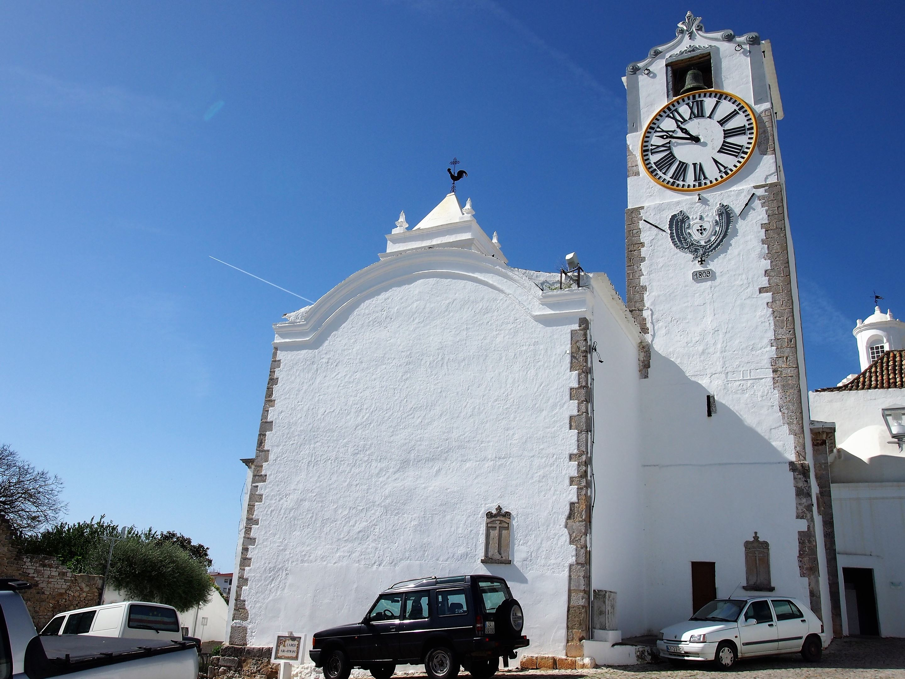 The clocktower of One of Igreja (church) de Santa Maria do Castelo