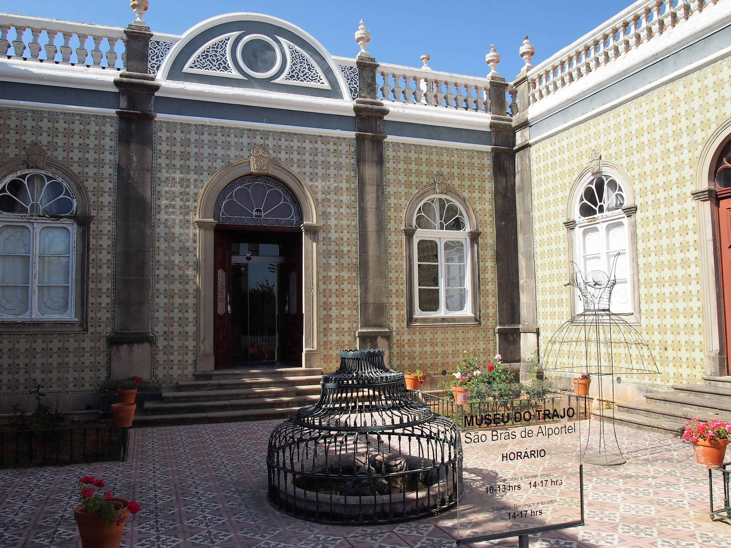 In the courtyard of the Algarve Costume Museum, São Brás de Alportel