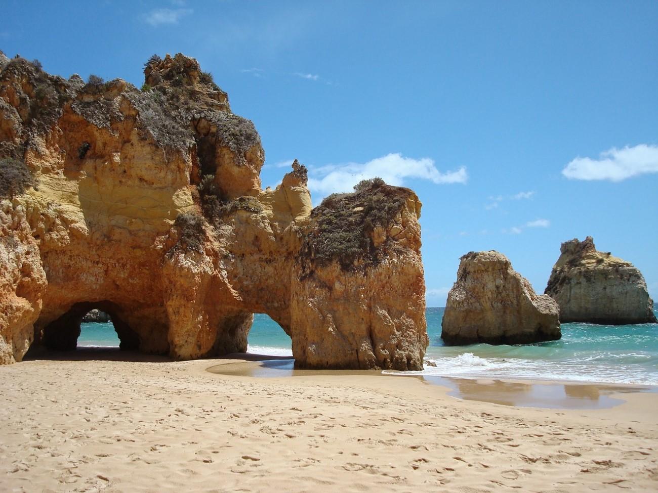 Praia dos Três Irmãos, Portimão, Portugal