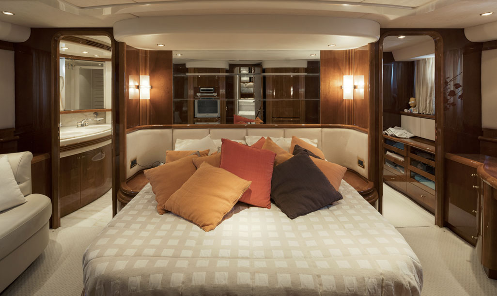Azimut 80 Bedroom 2