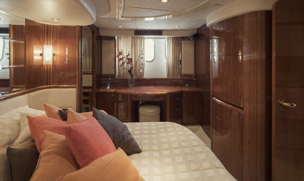 Azimut 80 Bedroom 2 Side View