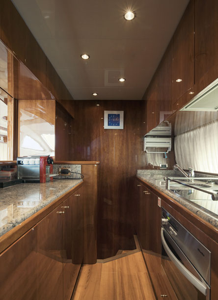 Azimut 80 Kitchen