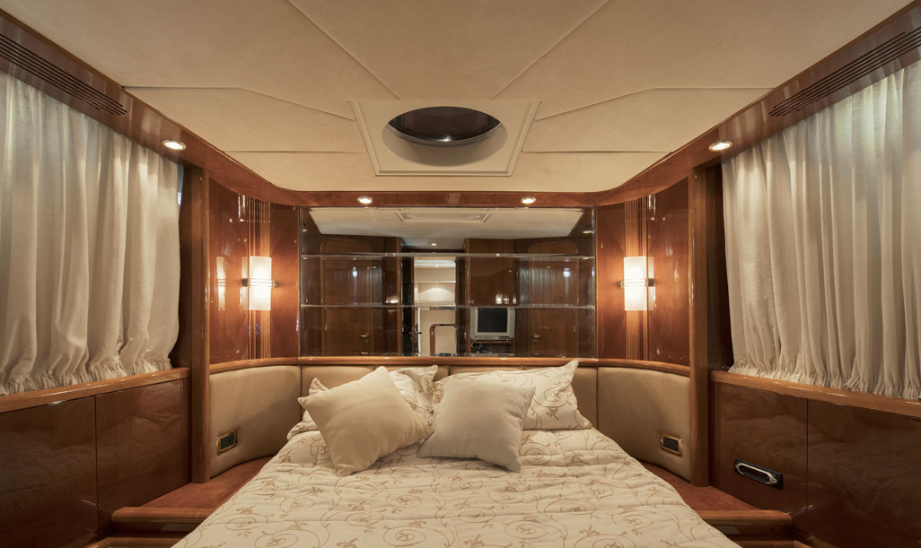 Azimut 80 Bedroom 1