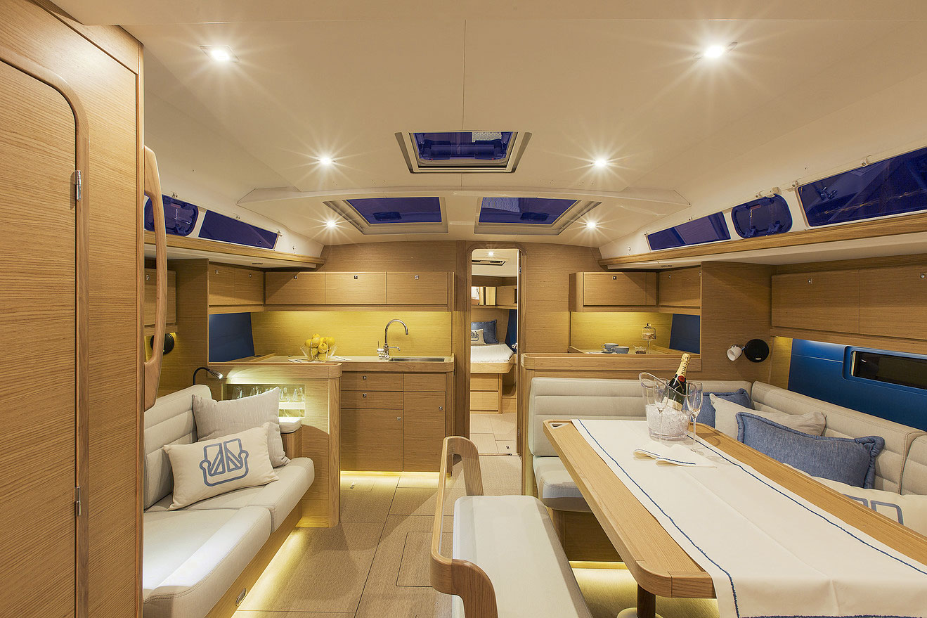 Dufour Grand Large 460 Interior