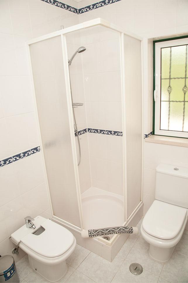 Villa Falesia Bathroom