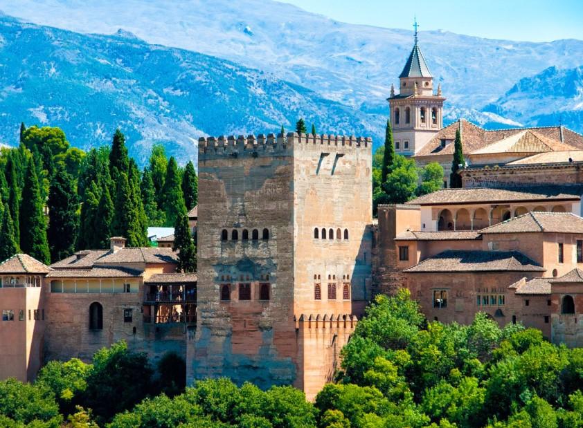 The Spanish Essence & Wellness in Granada