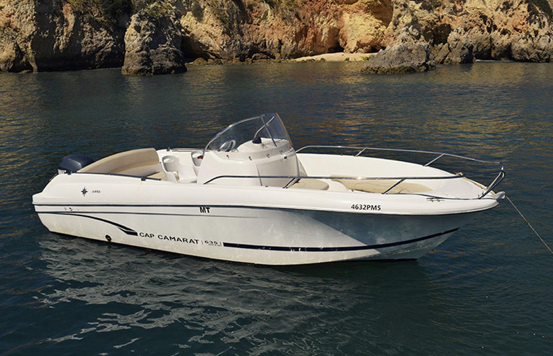 location bateau à moteur Jeanneau CC 635
