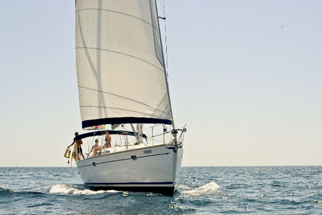Jeanneau 43 Sailing Yacht Charter in Algarve, Portugal