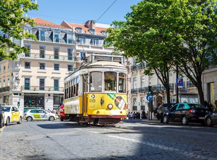Tradições Saborosas & Excursão de Tuk Tuk em Lisboa