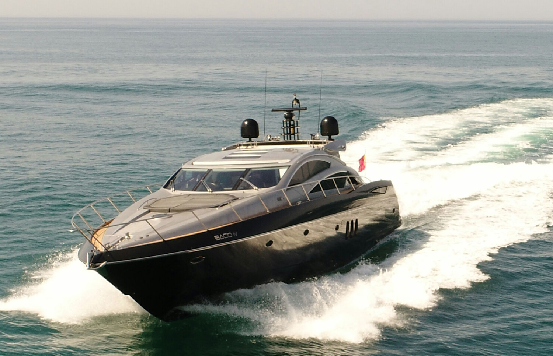 Sunseeker Predator 72 yacht charter in Algarve