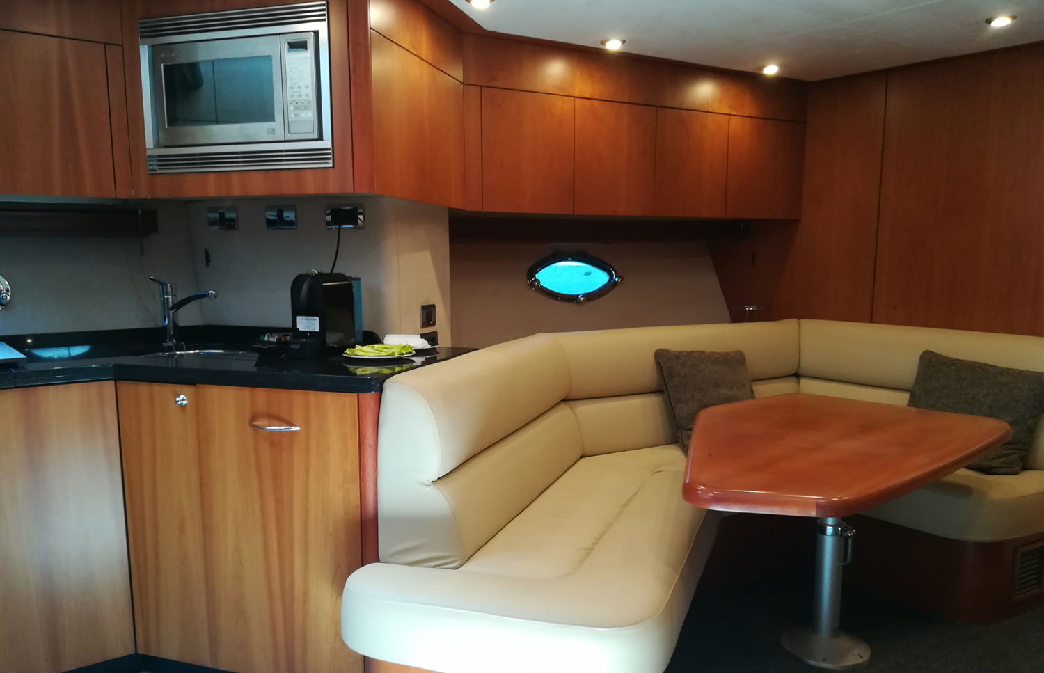Sunseeker Predator 72 Sitting Area