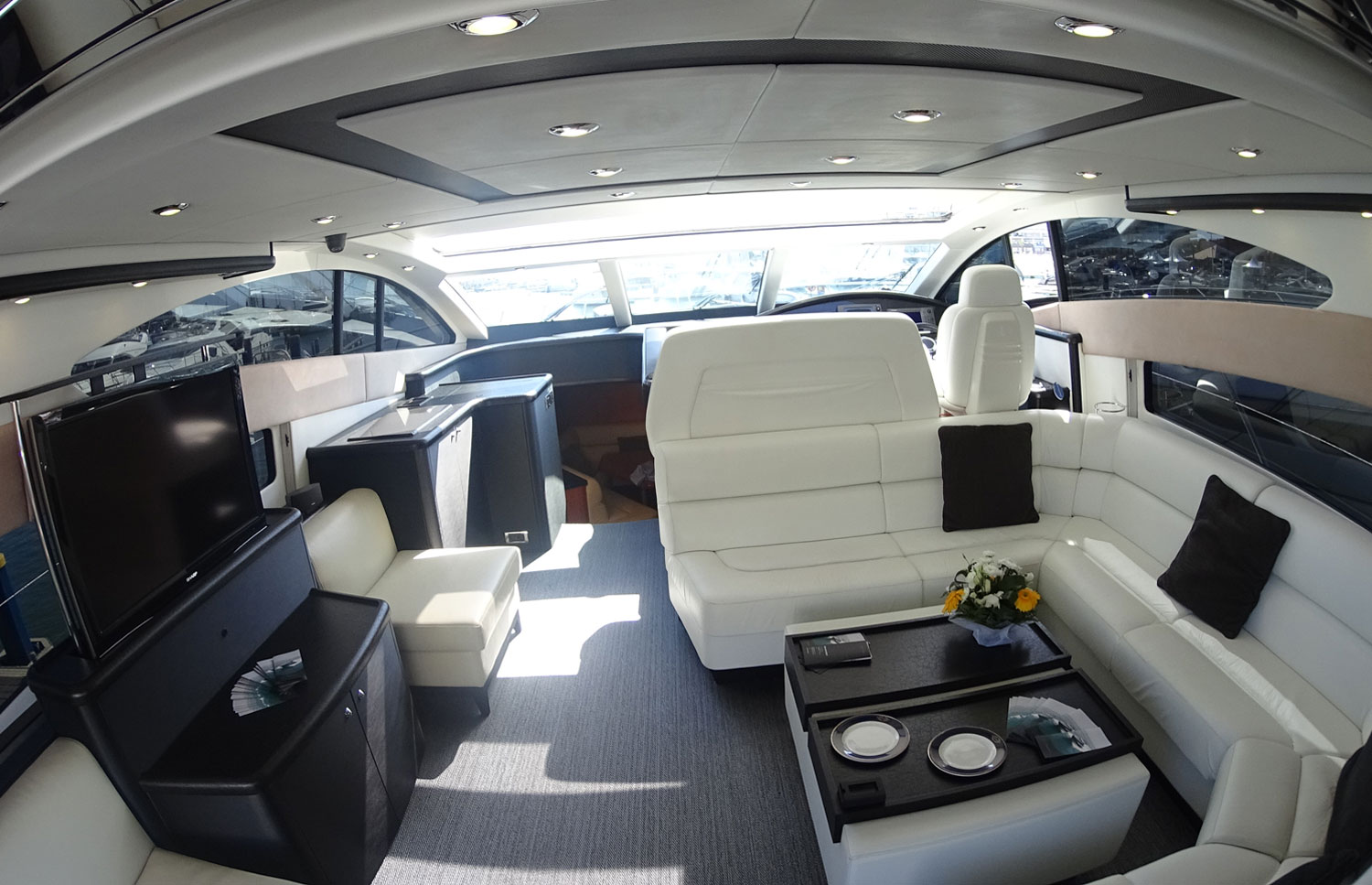 Sunseeker Predator 72 Lounge Area
