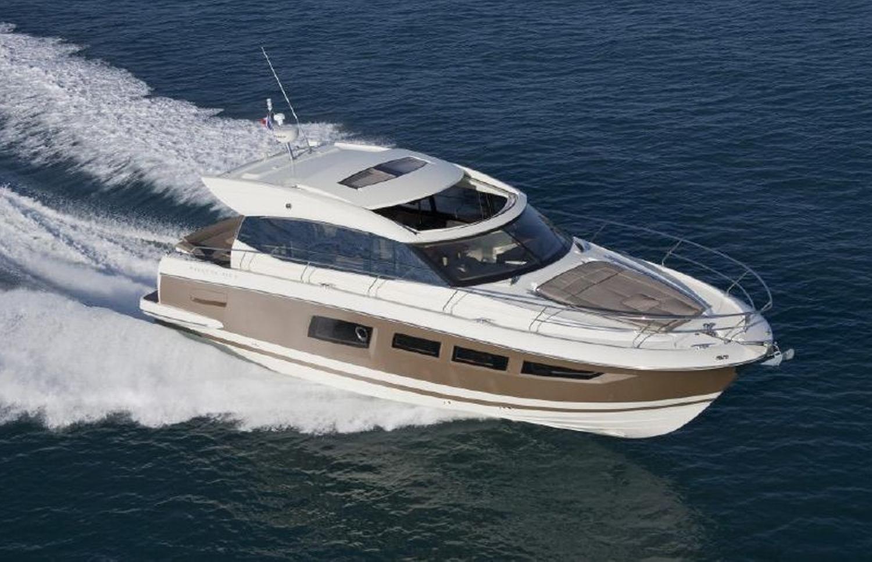 Jeanneau Prestige 500 S - Algarve Luxury Yacht Charter