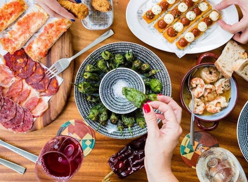 Spanish Tapas, Sherry & Culture Discovery in Seville
