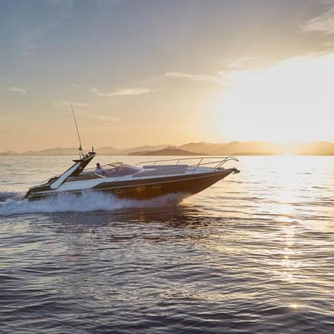 Sunseeker Superhawk 34 croisière au coucher de soleil depuis Vilamoura