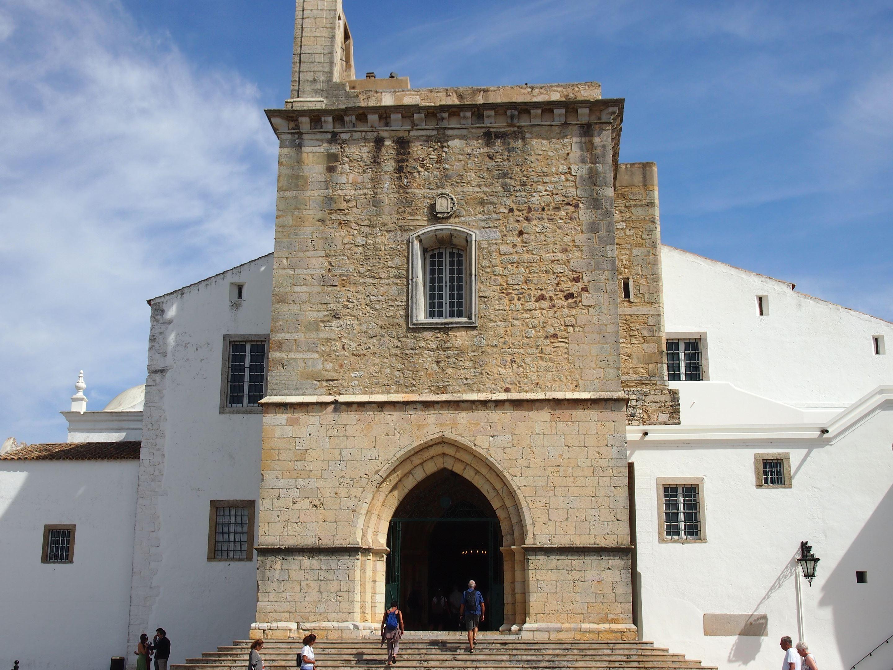 Cathédrale de Faro située dans la vieille ville