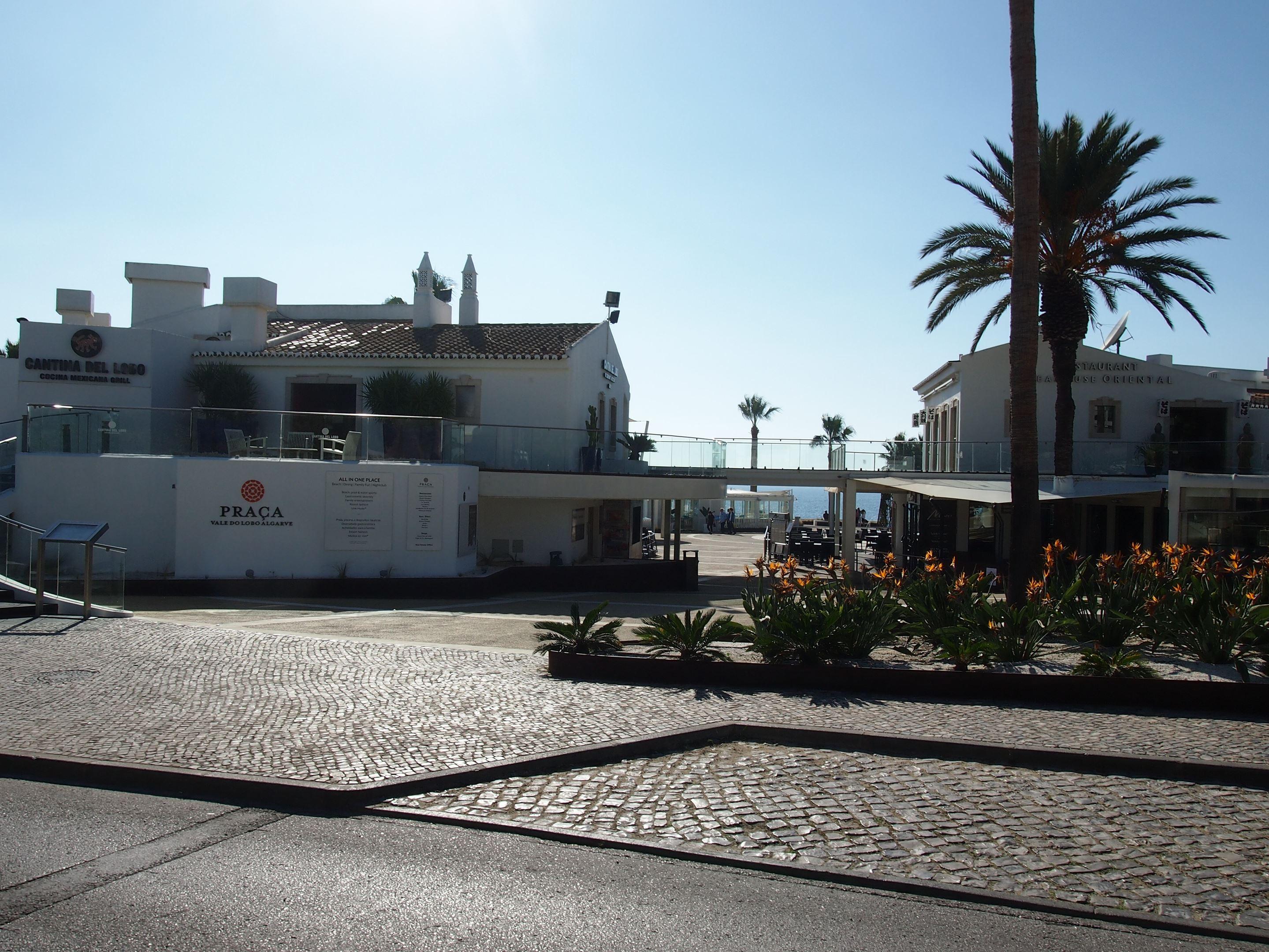 The entrance to the praça at Vale do Lobo, Algarve