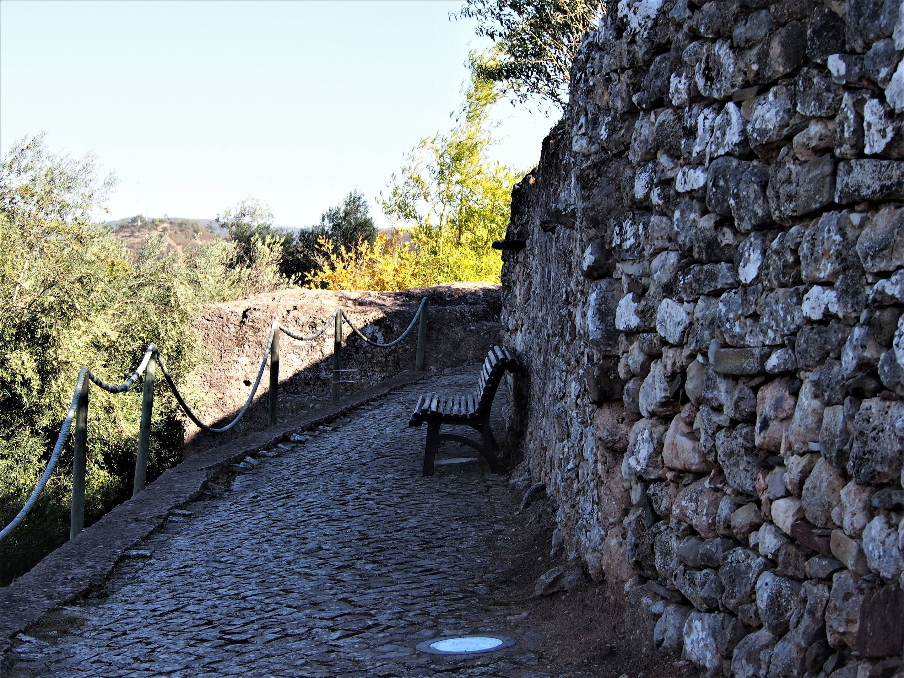 Footpath around the remains of the castle walls, Salir