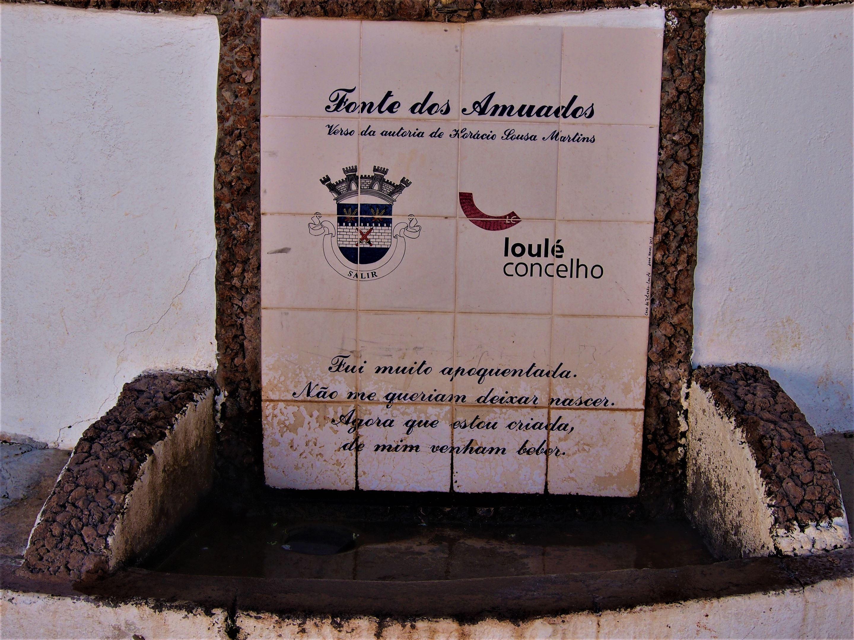 Fonte dos Amuados, a los pies de Rocha da Pena, Alte, Algarve