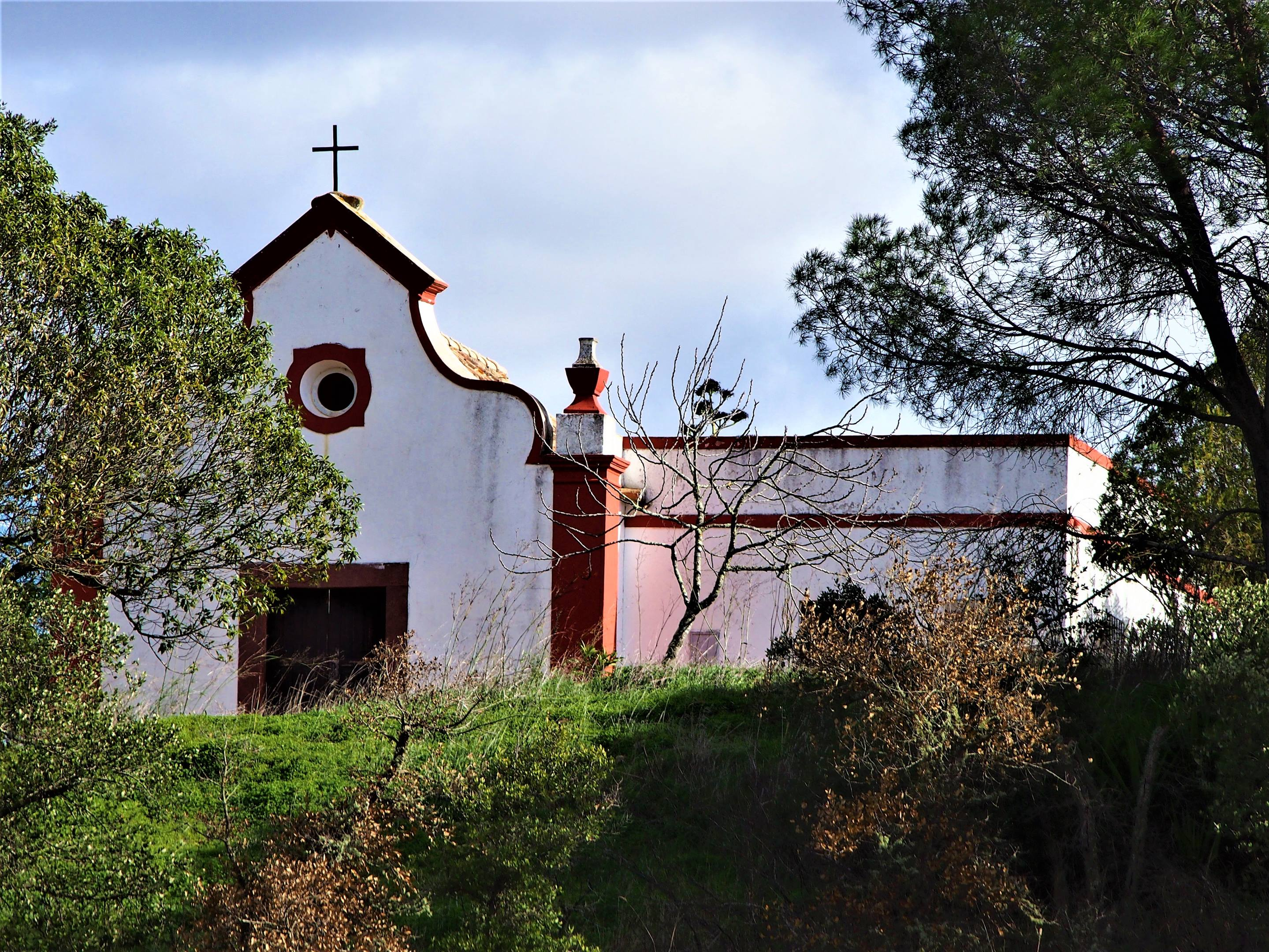 Ermida de Sant'Ana, São Bartolomeu de Messines, Algarve - located 2 km down a dirt track