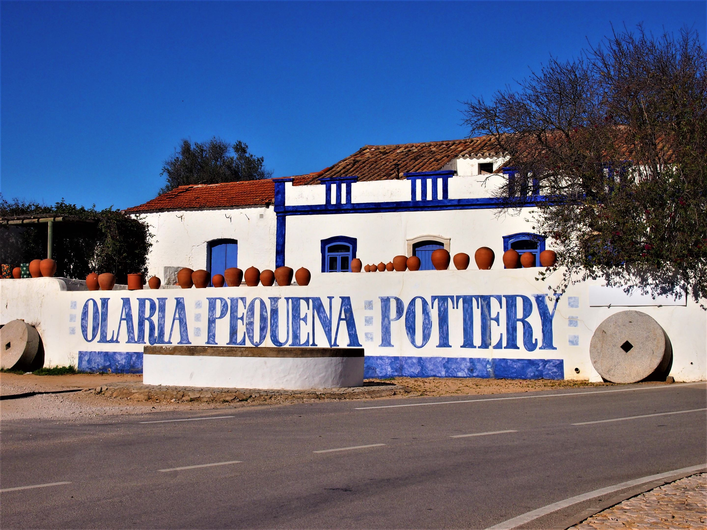 Olaria Pequena Pottery, Porches