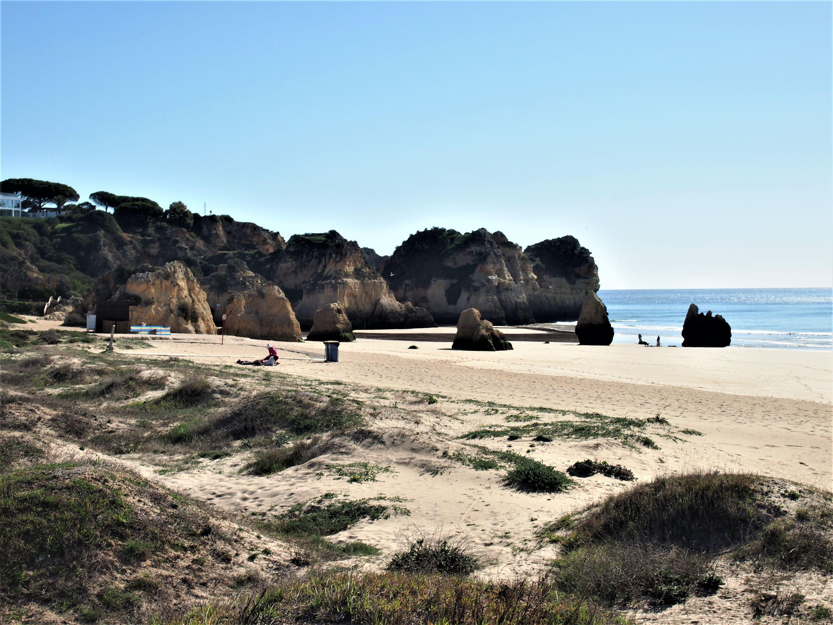 Praia dos Três Irmãos, Portimão