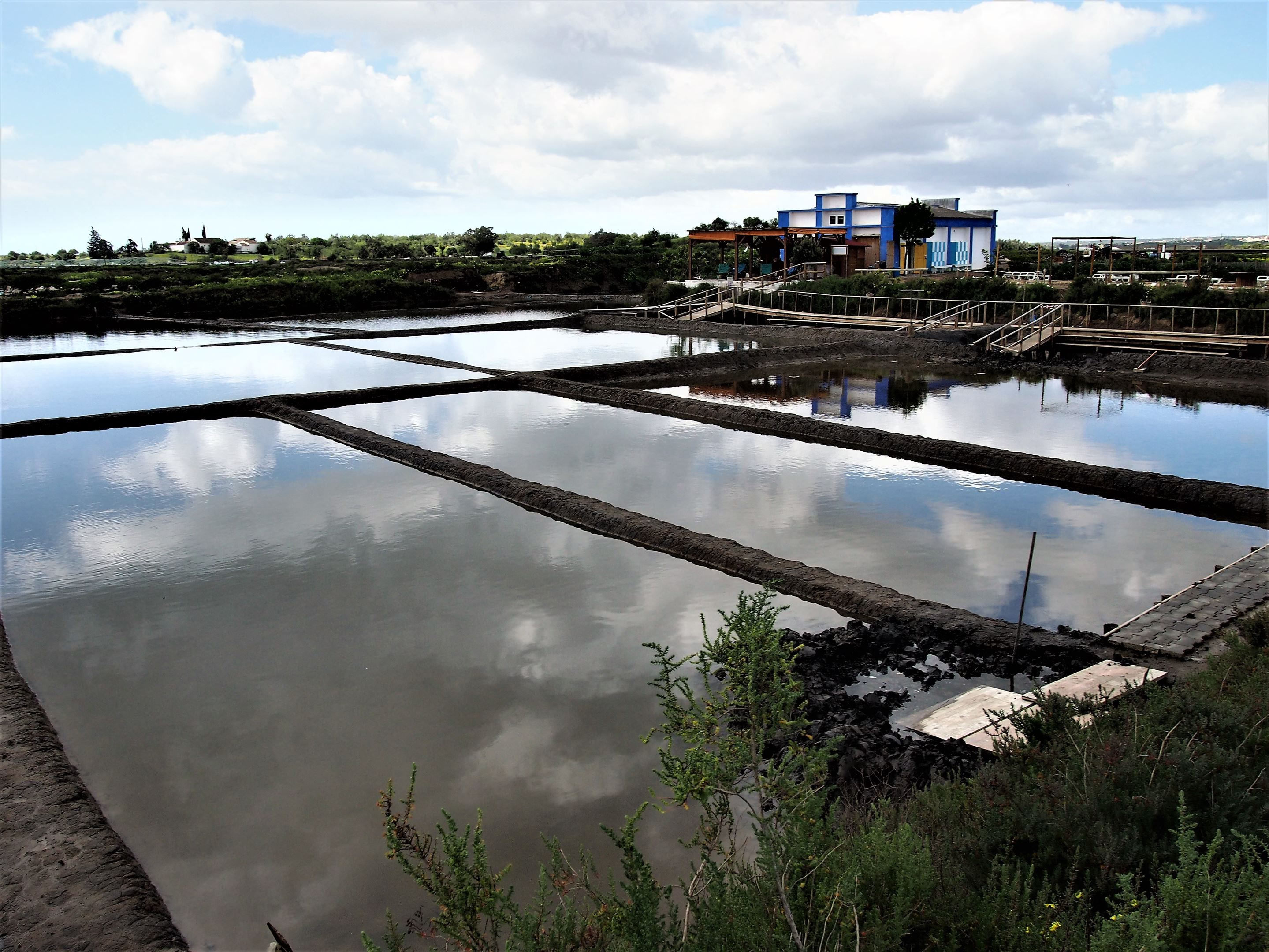 The Água Mãe spa just outide the town of Castro Marim, set within the salt pans named Salina da Barquinha