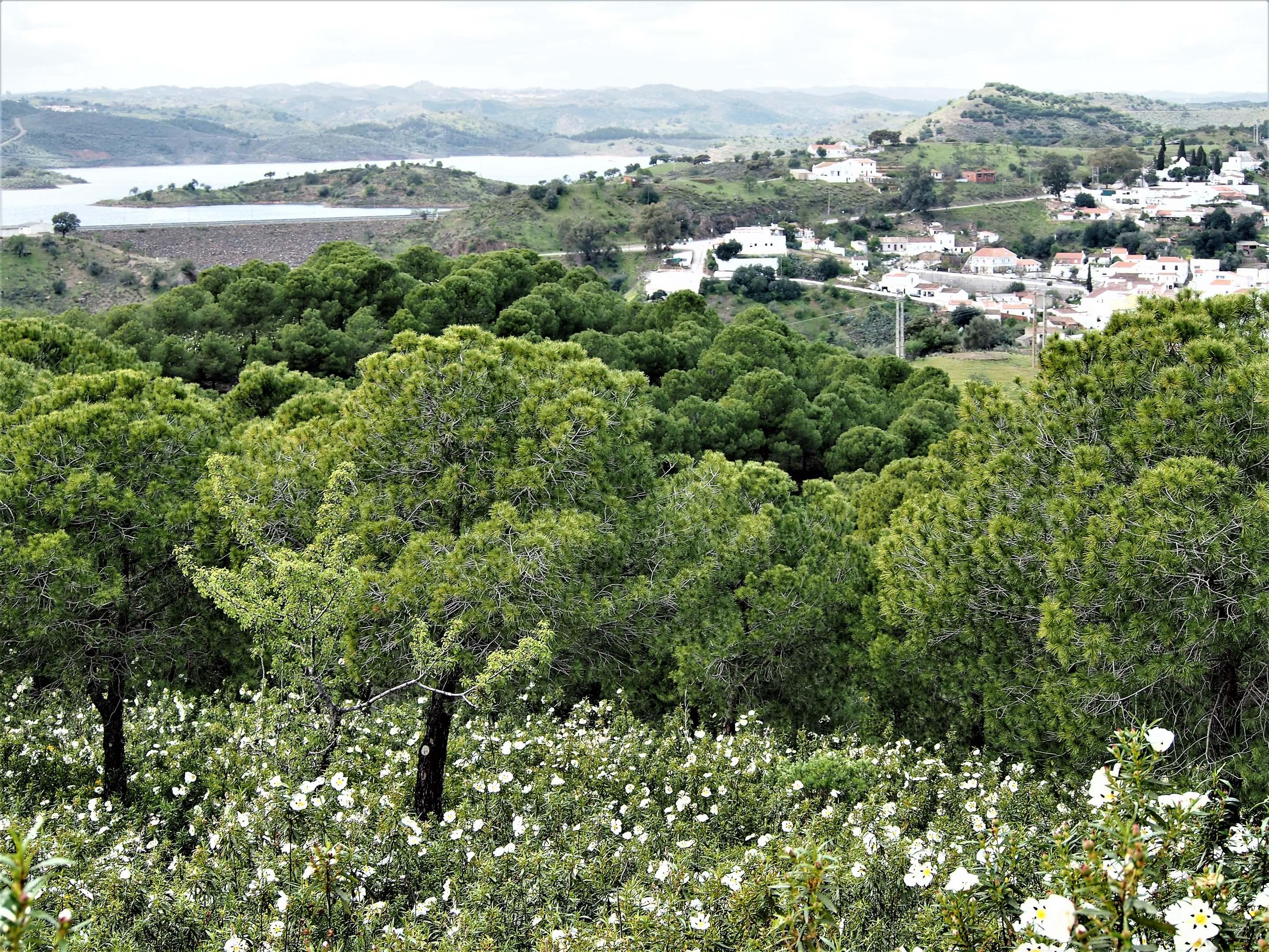 Barragem de Odeleite - Vila de Odeleite.