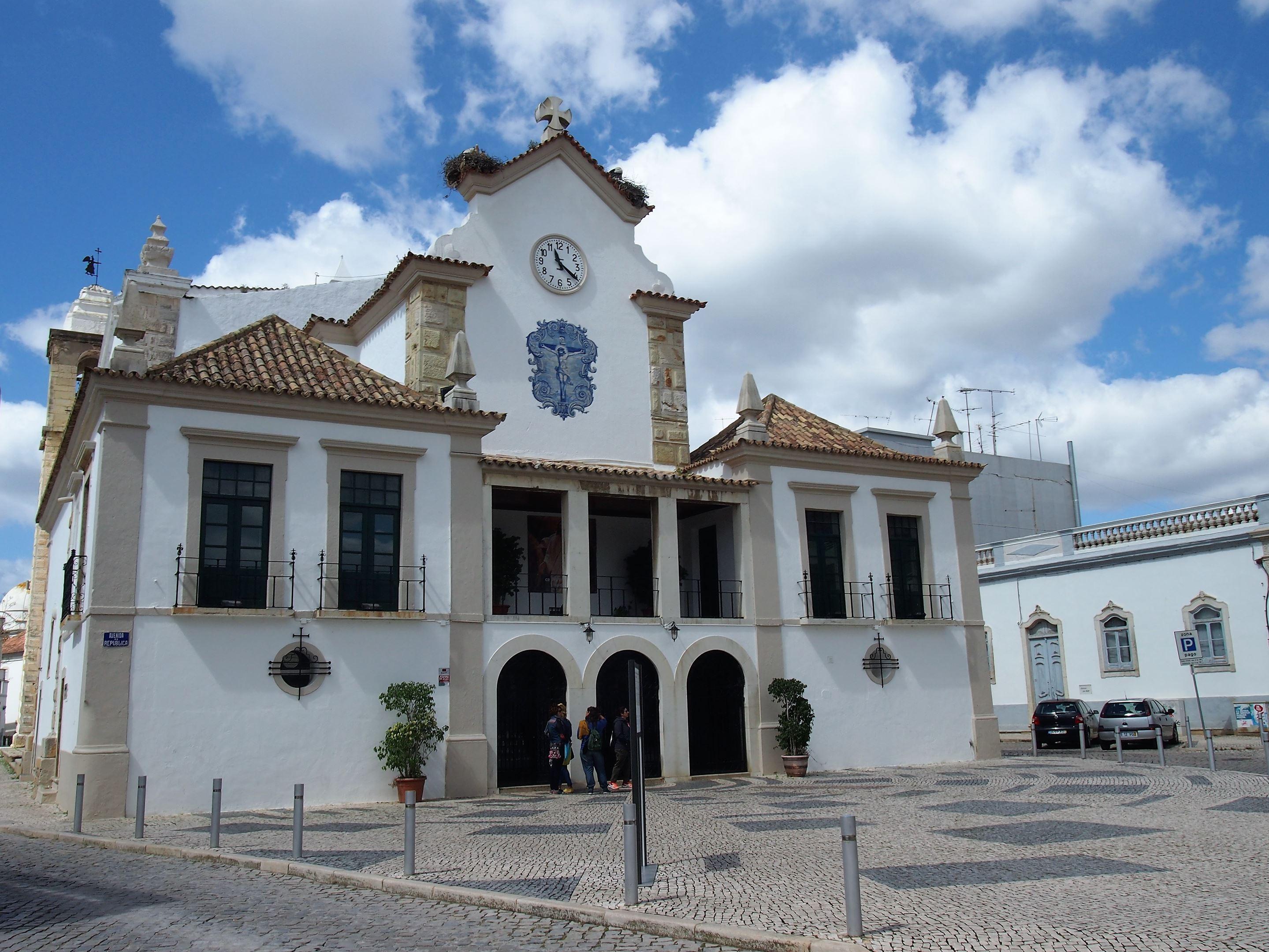 Igreja Matriz de Nossa Senhora do Rosário, pricipale église dans le centre d'Olhão