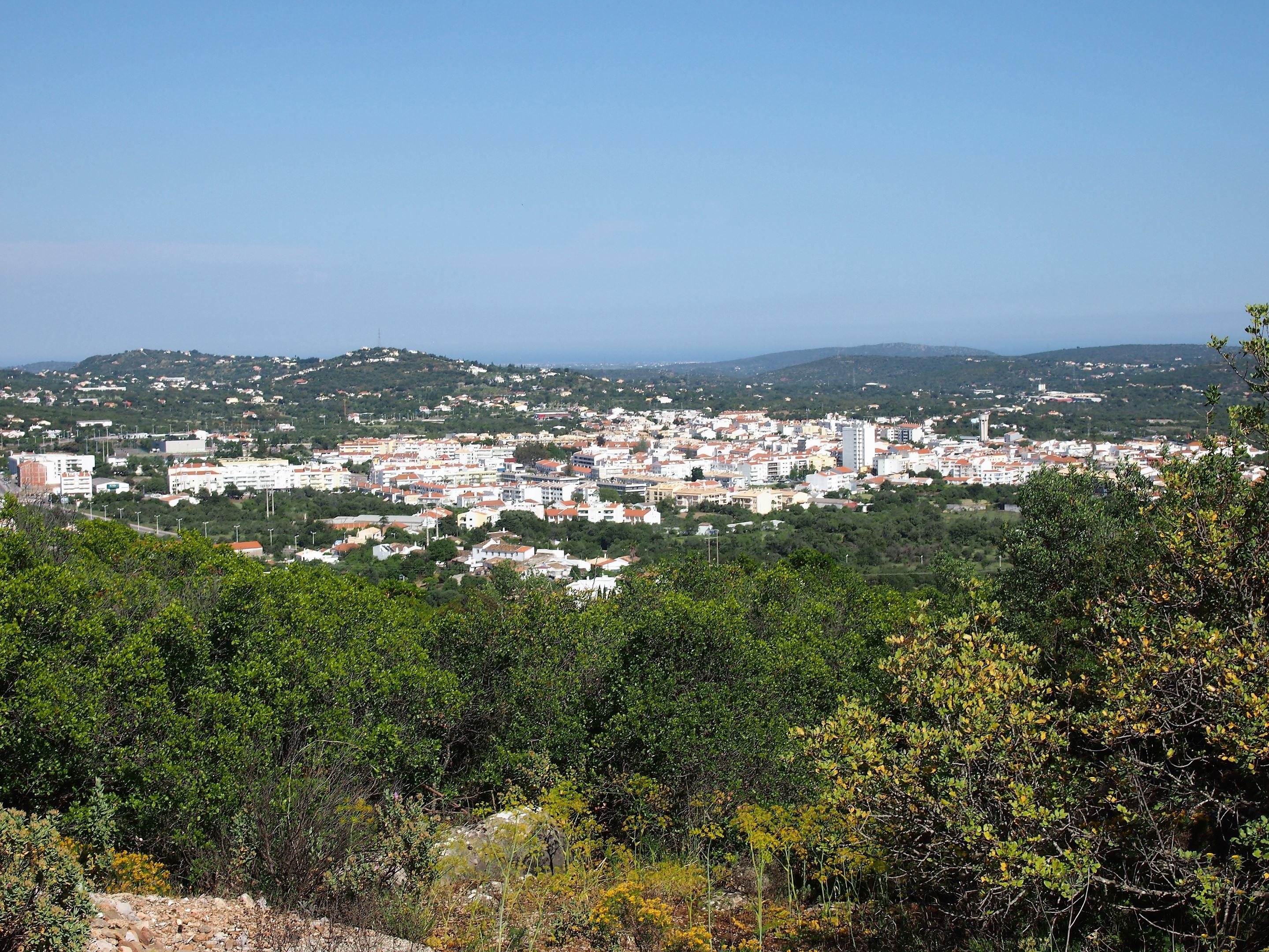 Vista da cidade de São Brás de Alportel, a partir do Miradouro do Alto da Arroteia