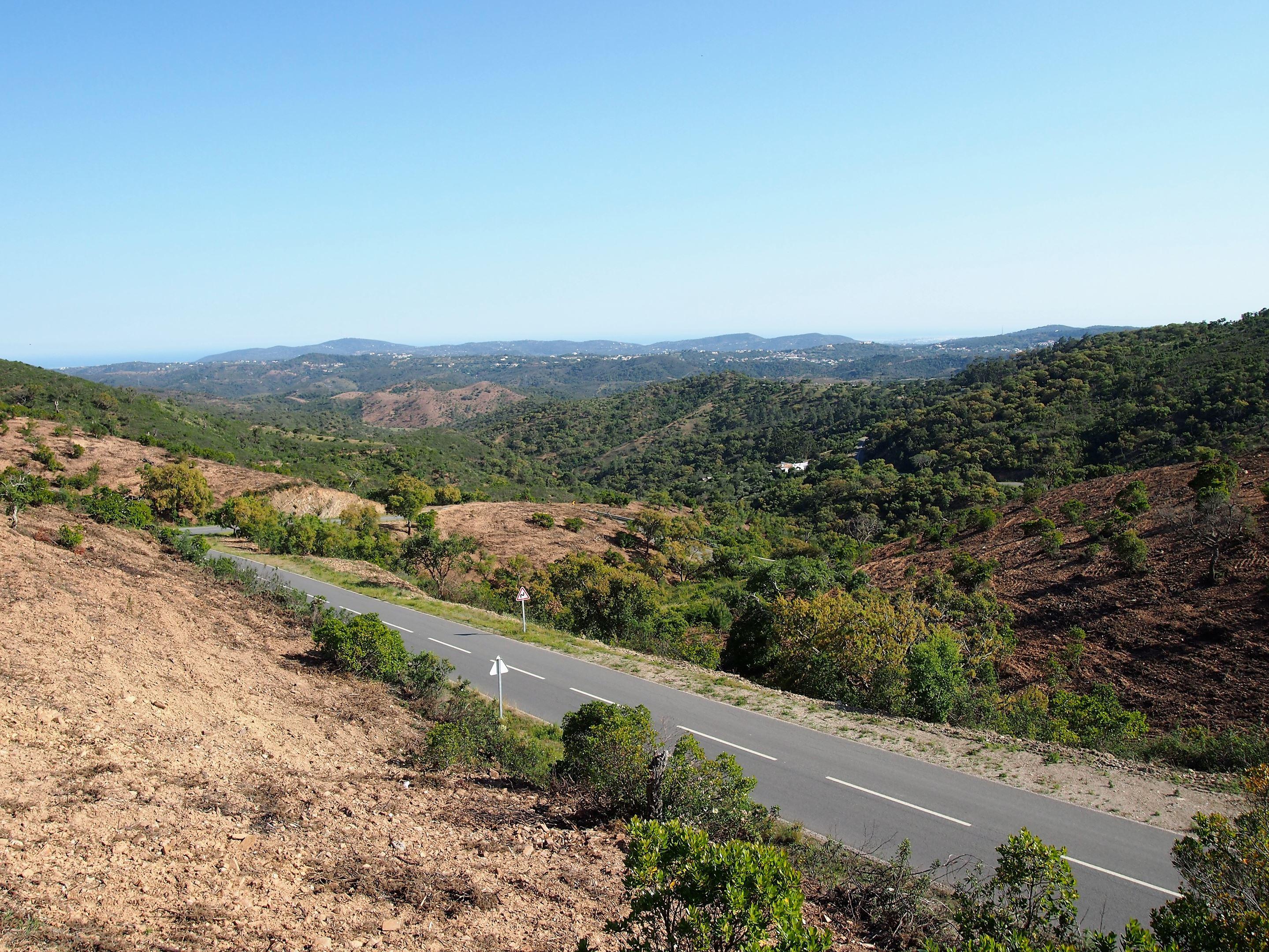 Miradouro do Alto da Ameixeira, en las colinas de Serra do Caldeirão, cerca de São Brás de Alportel