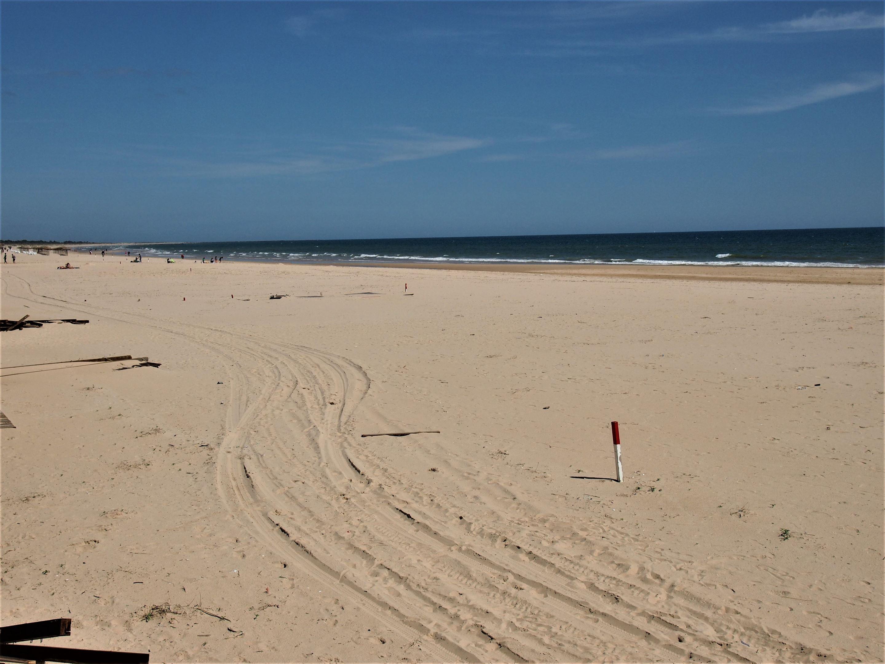 Praia de Monte Gordo, looking east towards Spain