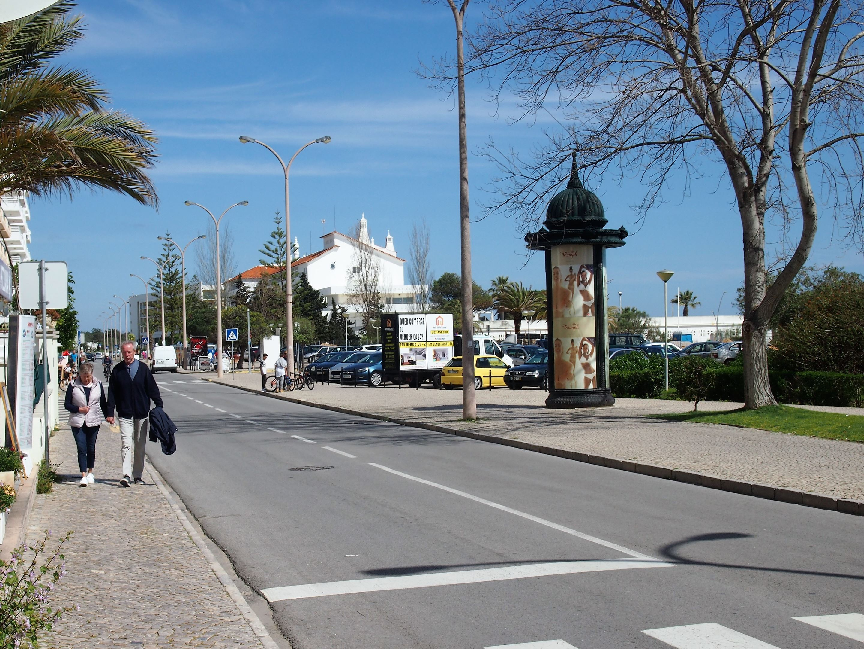 Main street in Monte Gordo facing the sea