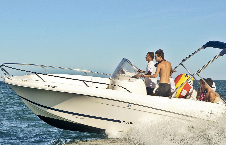 Jeanneau CC 635 Motor Boat Charter in Algarve