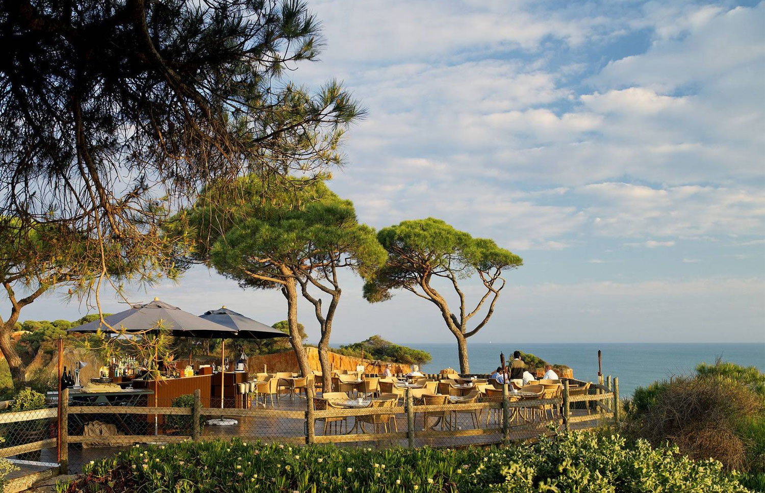 Pine Cliffs Hotel Algarve - Outdoor Restaurant